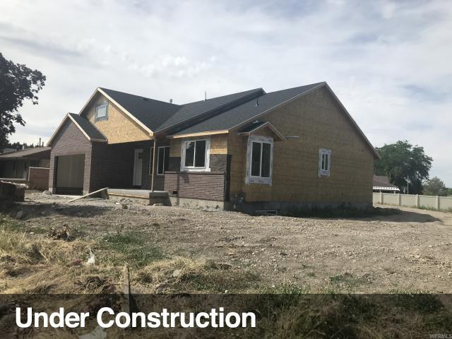 4164 W Midway Dr, West Valley City, UT 84120 (#1612334) :: goBE Realty