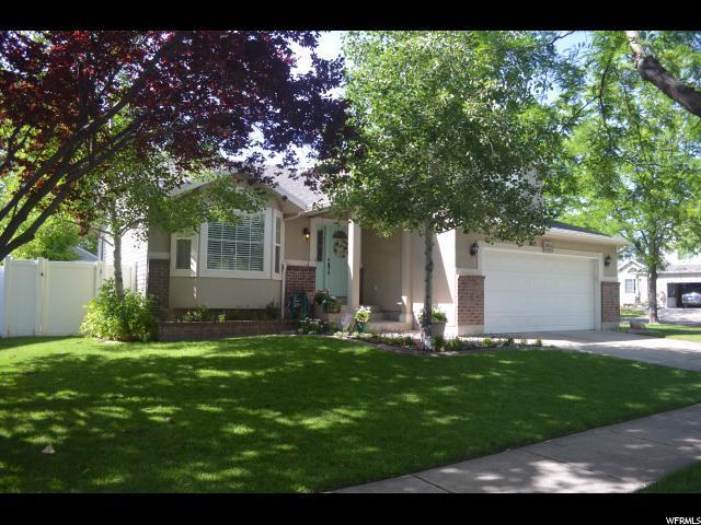 1494 W Stonebridge Dr. S, Layton, UT 84041 (#1612445) :: Bustos Real Estate | Keller Williams Utah Realtors