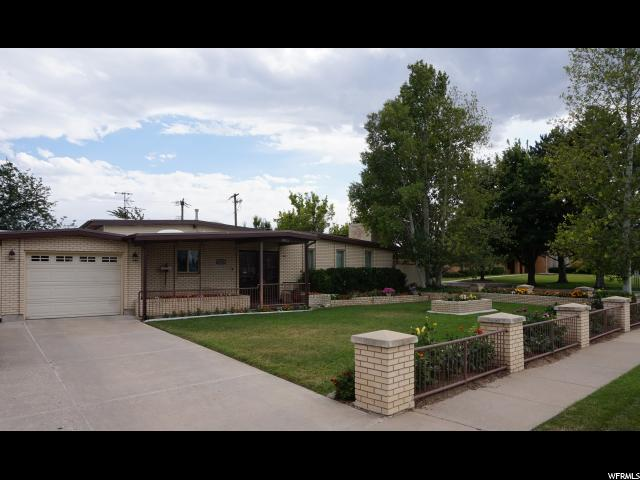 1525 Lovely Rd, Taylorsville, UT 84123 (#1614941) :: Action Team Realty
