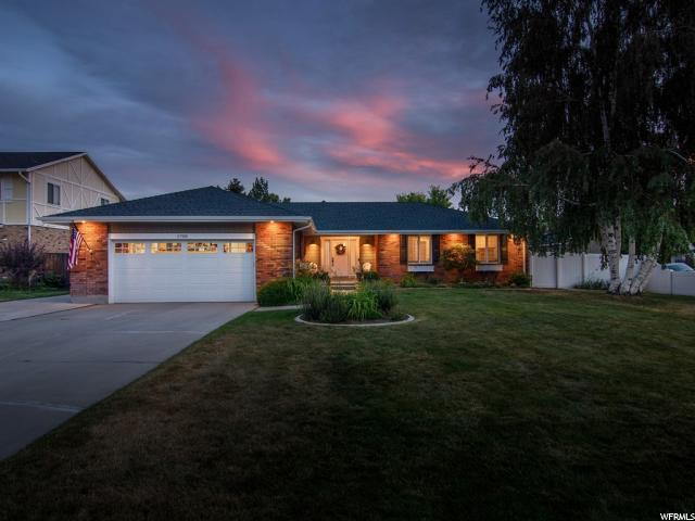 1708 E Countrywood Ct S, Sandy, UT 84092 (#1615823) :: Red Sign Team