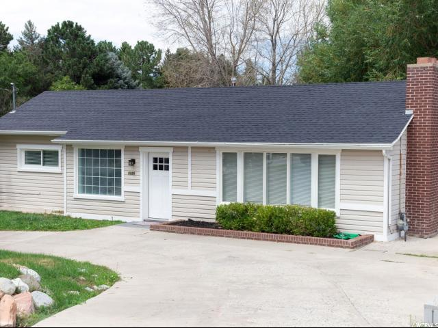 3325 E Bengal Blvd S, Cottonwood Heights, UT 84121 (#1622771) :: Action Team Realty