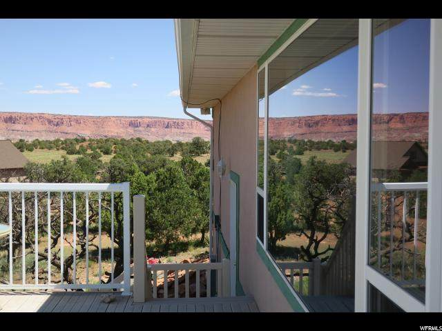 1320 E Moki Ridge Ln S, Torrey, UT 84775 (#1624777) :: Powder Mountain Realty