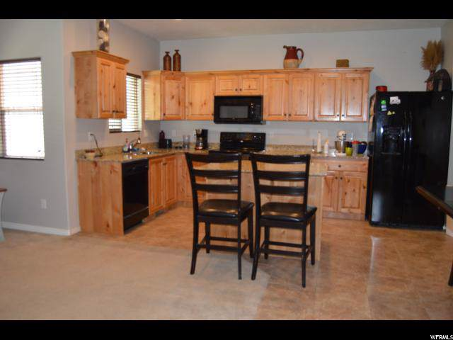 3863 Cunninghill Dr, Eagle Mountain, UT 84005 (#1626427) :: Exit Realty Success