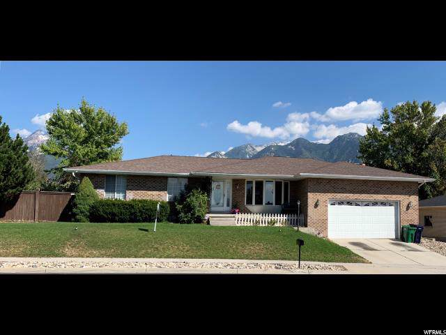 10043 S Petunia Way, Sandy, UT 84092 (#1629840) :: Doxey Real Estate Group