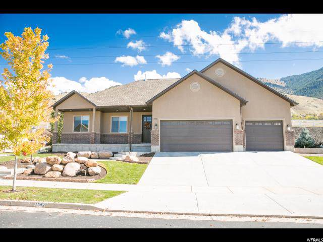 1202 S Grandview Dr, Providence, UT 84332 (#1633899) :: Keller Williams Legacy
