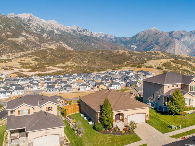 15013 S Winged Bluff Ln E, Draper, UT 84020 (#1633995) :: Colemere Realty Associates