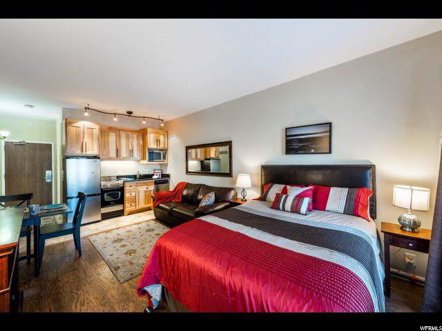 2235 Sidewinder Dr #401, Park City, UT 84060 (#1645286) :: Doxey Real Estate Group