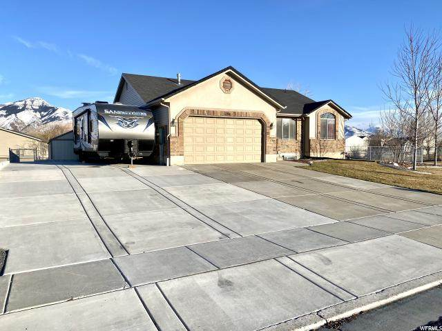 1264 N 1725 W, Farr West, UT 84404 (#1655562) :: Colemere Realty Associates