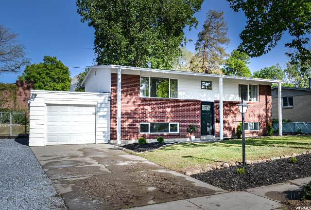 6727 S 1620 E, Cottonwood Heights, UT 84121 (#1672599) :: Red Sign Team
