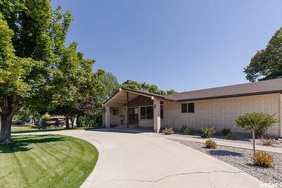 120 N 400 W, Hyrum, UT 84319 (#1699284) :: Big Key Real Estate