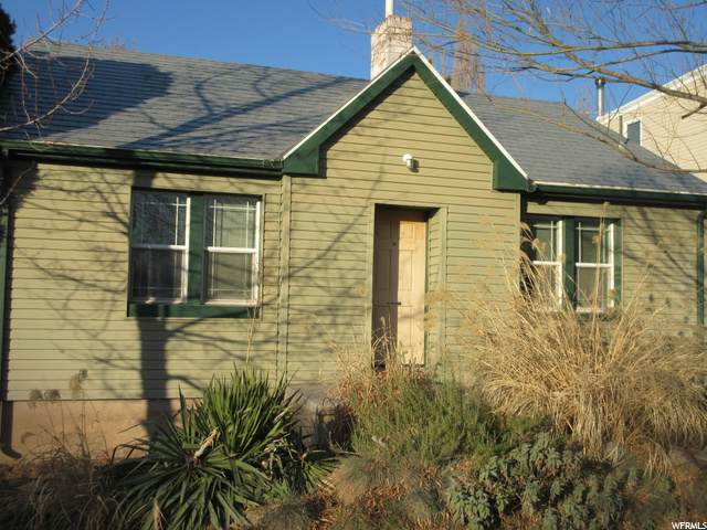1805 E Lincoln Ln S, Holladay, UT 84124 (#1714521) :: Berkshire Hathaway HomeServices Elite Real Estate