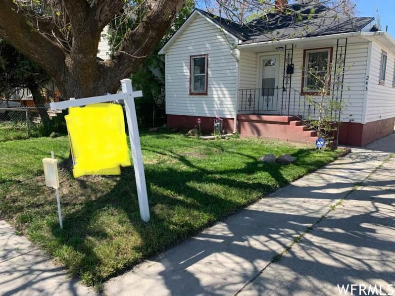 243 Claybourne Ave - Photo 1