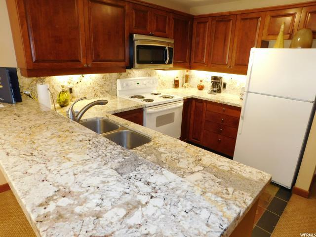 12090 E Big Cottonwood Canyon Rd #309, Solitude, UT 84121 (#1491585) :: Red Sign Team