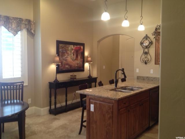 5198 N University Ave #405, Provo, UT 84604 (#1508641) :: Bustos Real Estate | Keller Williams Utah Realtors