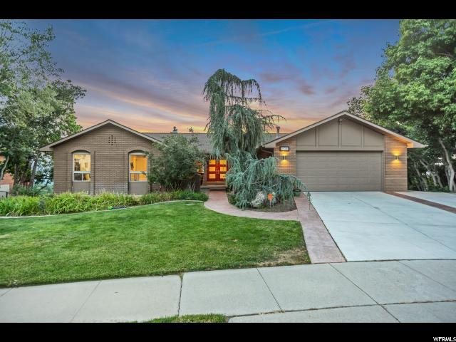 8074 S Mountain Oaks Dr E, Cottonwood Heights, UT 84121 (#1544067) :: Red Sign Team