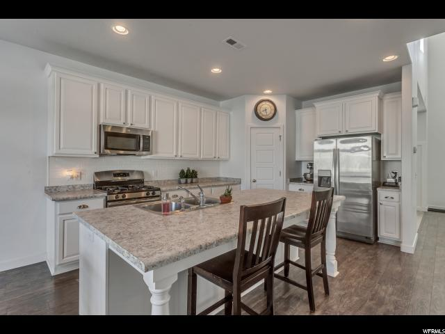 3516 S Clearwater Way, Syracuse, UT 84075 (#1565345) :: Action Team Realty
