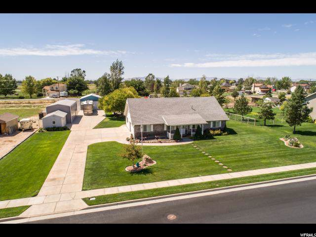 3255 N Pelican Dr, Farr West, UT 84404 (#1625327) :: Red Sign Team
