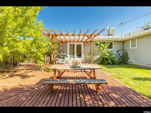 2450 E Ellison Woods Ave, Cottonwood Heights, UT 84121 (#1625487) :: Colemere Realty Associates