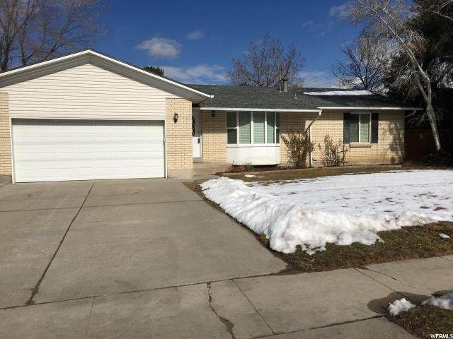 2285 E Creek Rd S, Cottonwood Heights, UT 84093 (#1645233) :: goBE Realty