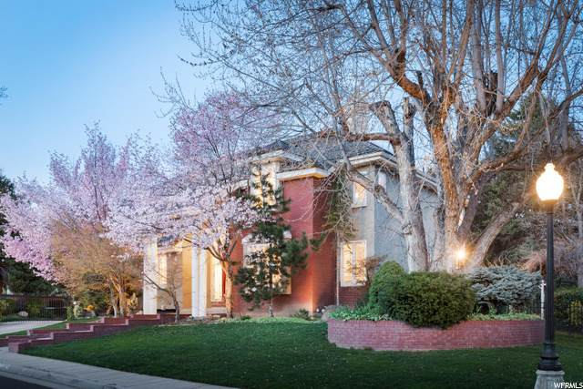 6127 S New Haven Dr, Salt Lake City, UT 84121 (#1666877) :: goBE Realty
