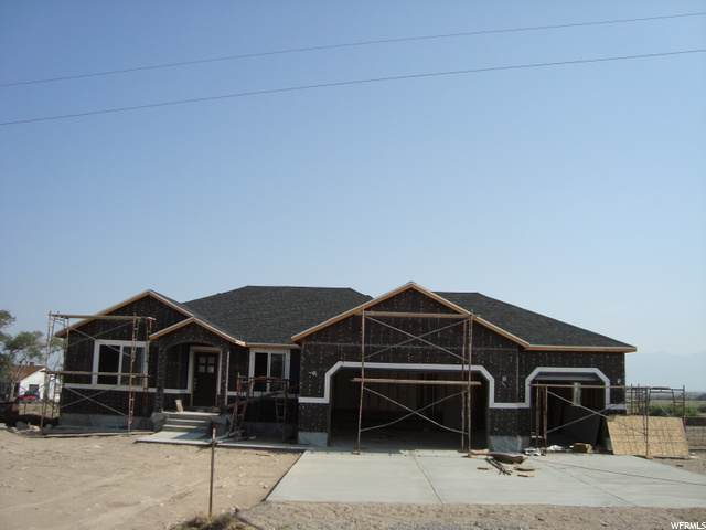 840 N Old Lincoln Hwy E, Grantsville, UT 84029 (#1673959) :: Doxey Real Estate Group