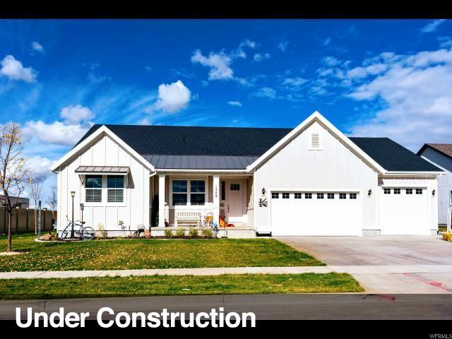 1584 S 425 W #214, Layton, UT 84041 (#1585383) :: The Canovo Group