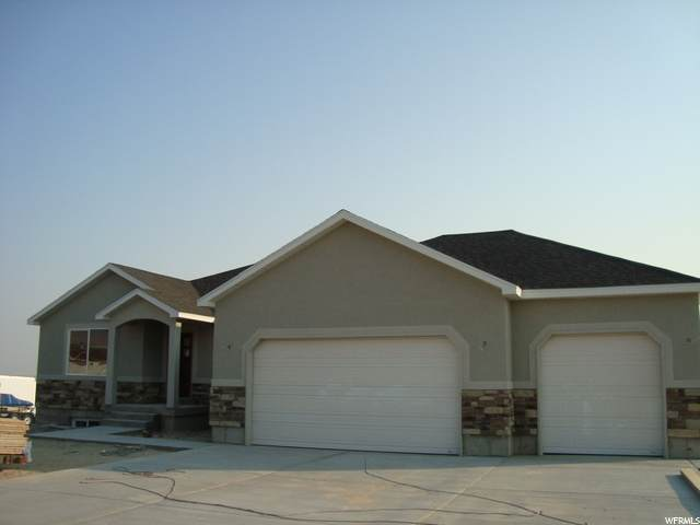 840 N Old Lincoln Hwy E, Grantsville, UT 84029 (#1673959) :: The Perry Group