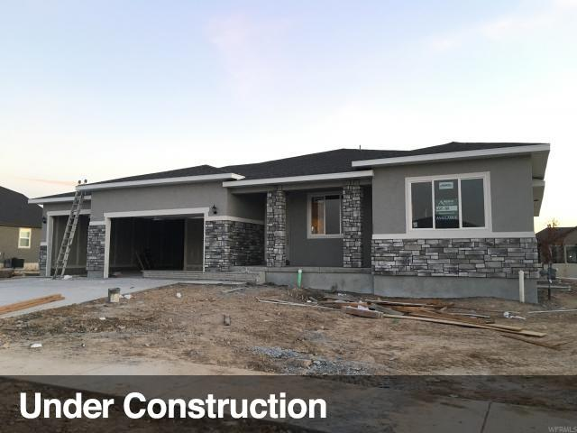 1555 W 425 S #206, Layton, UT 84041 (#1605373) :: The Canovo Group