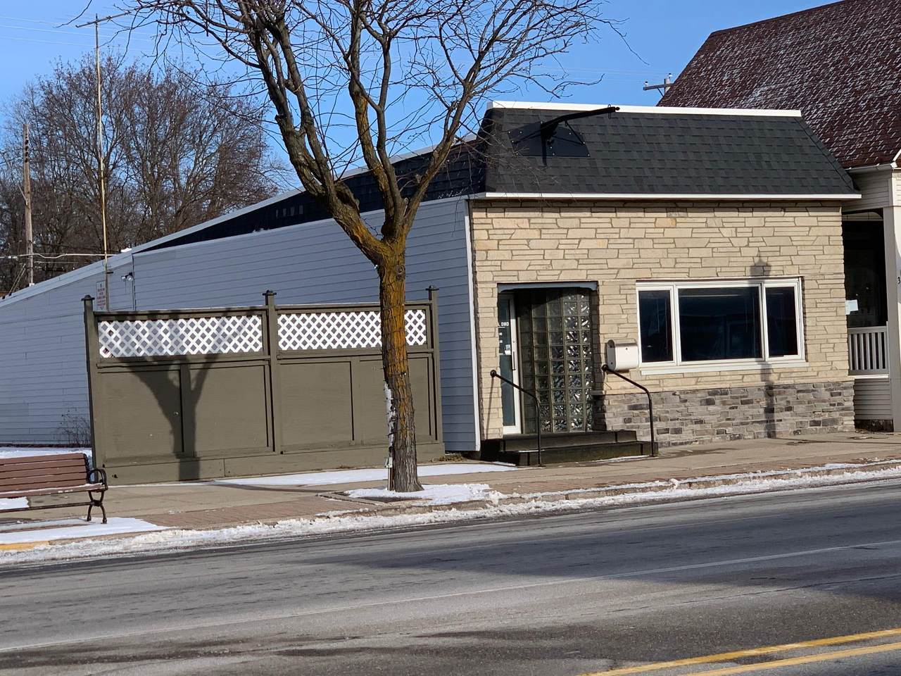 324 Cedar Avenue - Photo 1