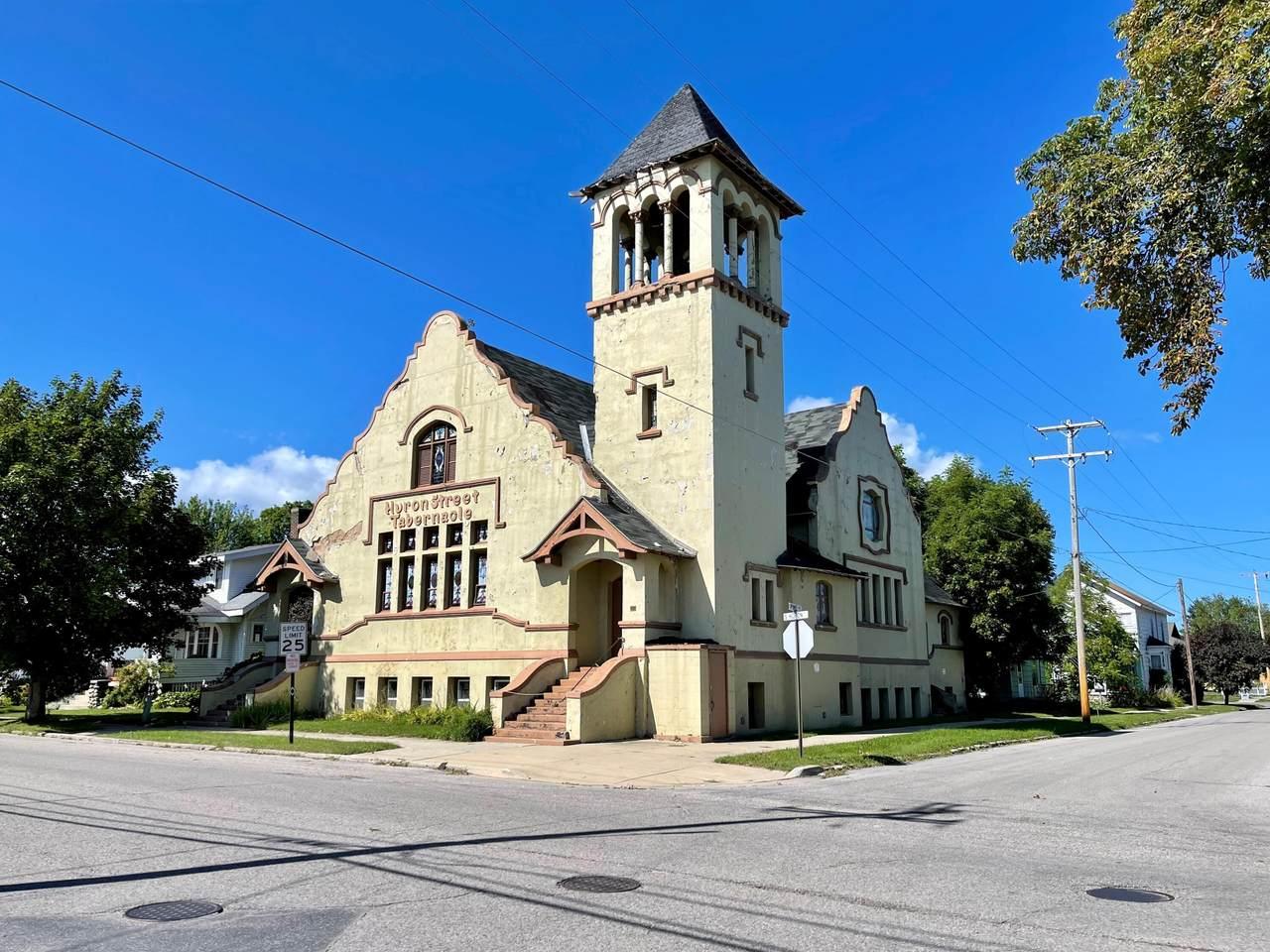 102 Huron Street - Photo 1