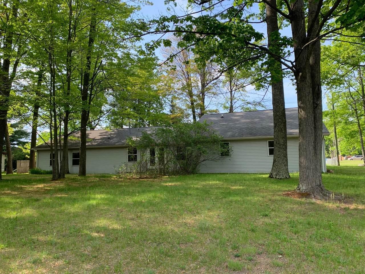 2385 Houghton Lake Dr - Photo 1