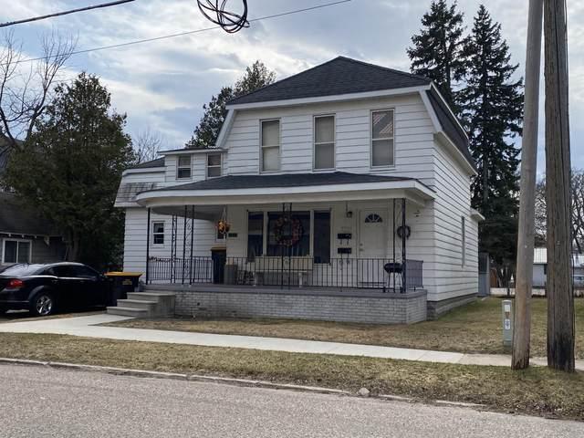 213 Backus Street, Cheboygan, MI 49721 (MLS #201811637) :: CENTURY 21 Northland
