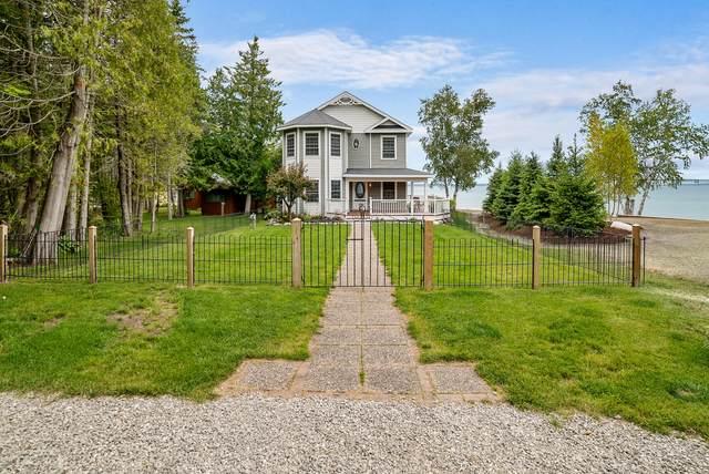 1058 Lakeside Drive, Mackinaw City, MI 49701 (MLS #201814074) :: CENTURY 21 Northland