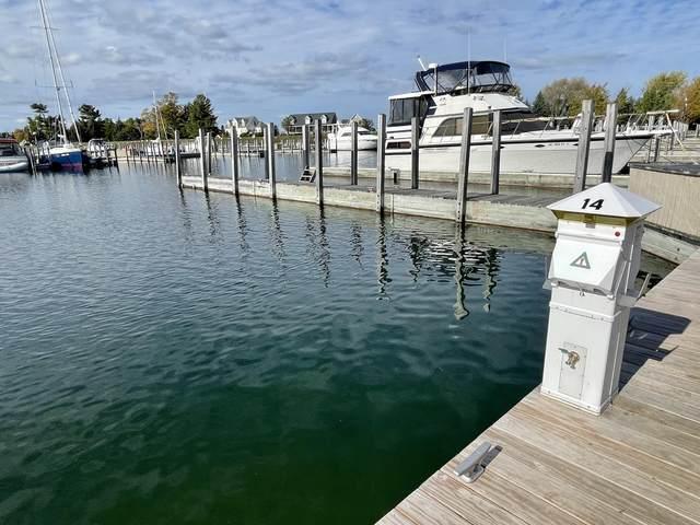 902 Boat Club Drive, Cheboygan, MI 49721 (MLS #201815696) :: CENTURY 21 Northland