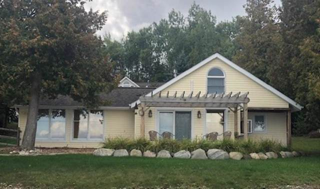 1508 Wenniway Road, Mackinaw City, MI 49701 (MLS #321695) :: CENTURY 21 Northland
