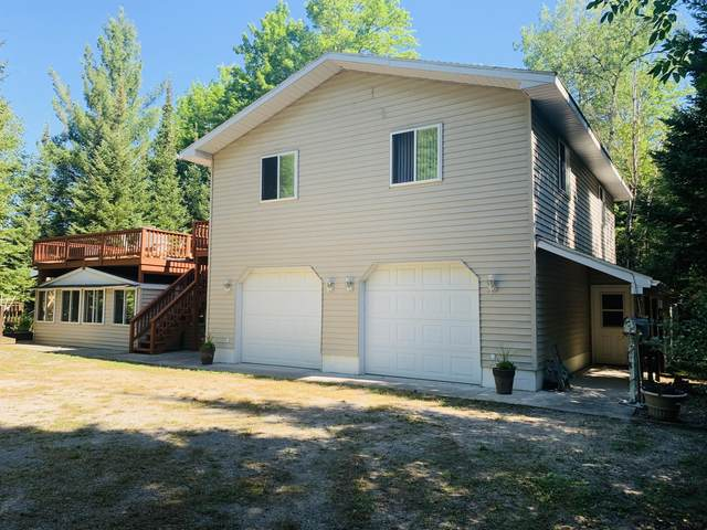 1725 E Lake Circle Drive, Barton City, MI 48705 (MLS #324618) :: CENTURY 21 Northland