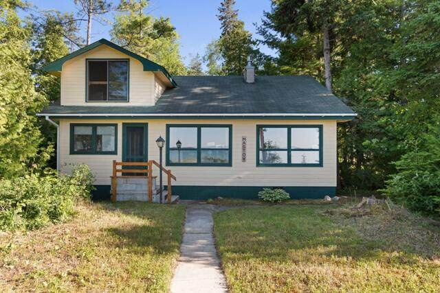 808 Lakeside Drive, Mackinaw City, MI 49701 (MLS #201813204) :: CENTURY 21 Northland