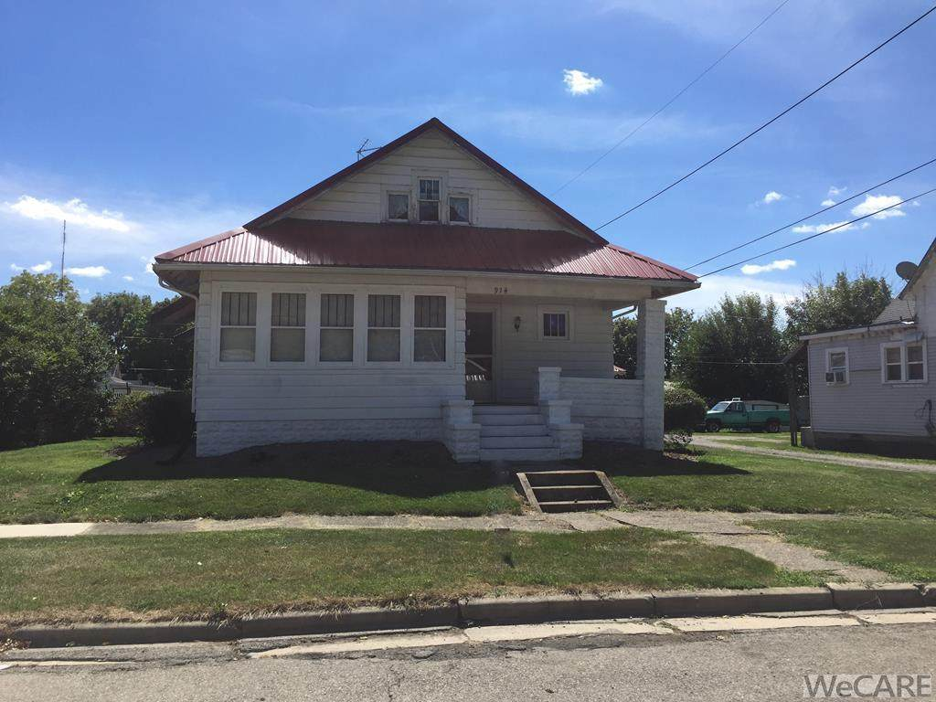 914 E Crawford St - Photo 1