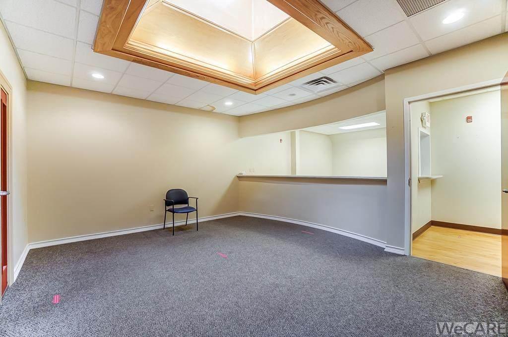 916 W Market St - Suite 320 (Lease) - Photo 1