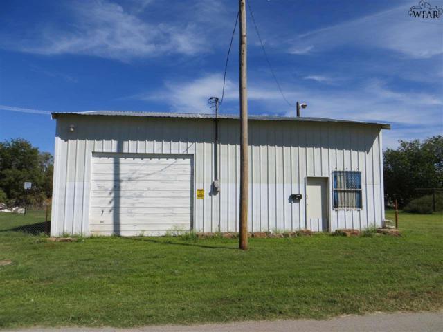 405 W Glisson Avenue, Electra, TX 76360 (MLS #146792) :: WichitaFallsHomeFinder.com