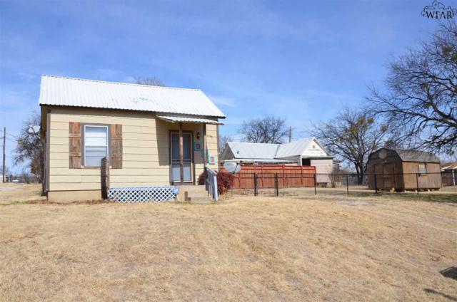 206 Lamar Street, Henrietta, TX 76365 (MLS #147887) :: WichitaFallsHomeFinder.com