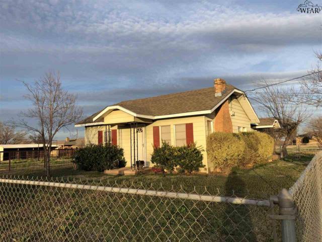 404 N Center, Archer City, TX 76351 (MLS #148197) :: WichitaFallsHomeFinder.com