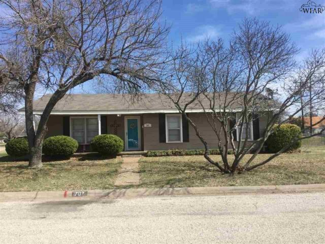 707 W Bloodworth Street, Olney, TX 76374 (MLS #148226) :: WichitaFallsHomeFinder.com