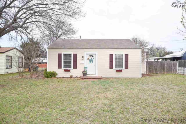 708 W Omega Street, Henrietta, TX 76354 (MLS #148347) :: WichitaFallsHomeFinder.com