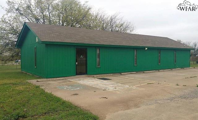 1101 N Bridge Street, Henrietta, TX 76365 (MLS #148486) :: WichitaFallsHomeFinder.com