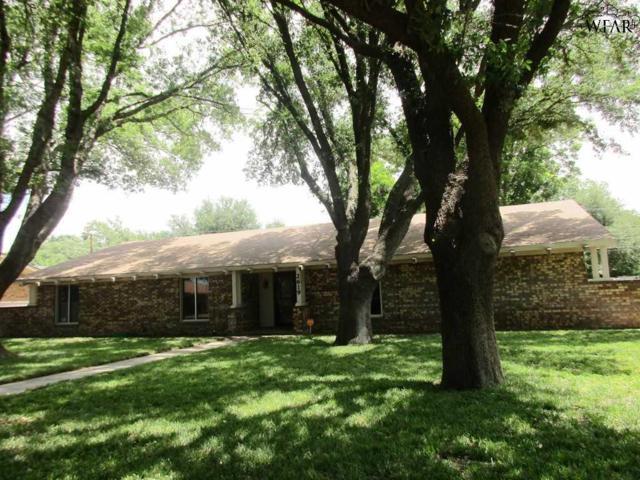 2619 Oaklawn Drive, Vernon, TX 76384 (MLS #149276) :: WichitaFallsHomeFinder.com