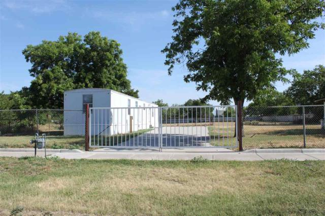 1212 E Crafton Street, Henrietta, TX 76365 (MLS #149415) :: WichitaFallsHomeFinder.com