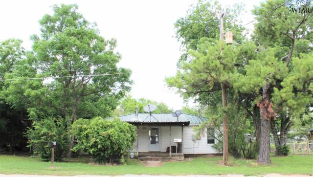 704 E Commerce Street, Henrietta, TX 76365 (MLS #153019) :: WichitaFallsHomeFinder.com