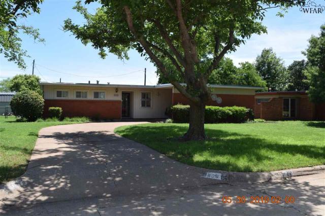 605 W Texas Avenue, Iowa Park, TX 76367 (MLS #153156) :: WichitaFallsHomeFinder.com