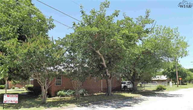 102 N Hancock Street, Henrietta, TX 76365 (MLS #153223) :: WichitaFallsHomeFinder.com